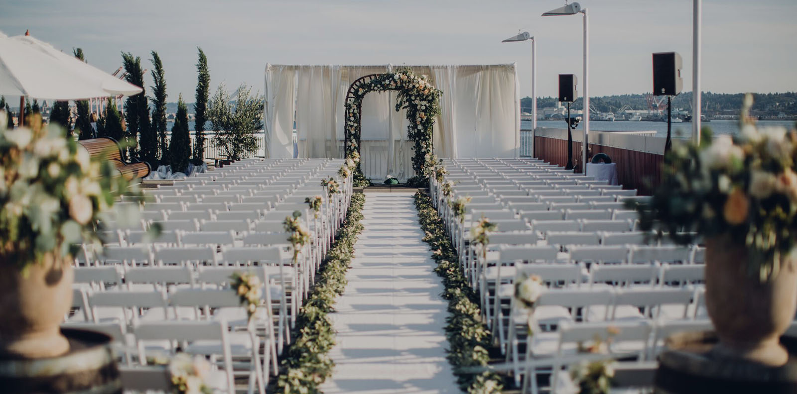 wedding ceremondy chairs and aisle